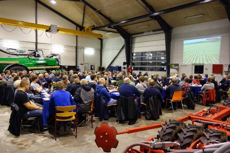 Arne Gejl fra Stroco-Agro orienterede bl.a. om Vesthimmerlnads nye Horsch Pronto 6 DC PPF.