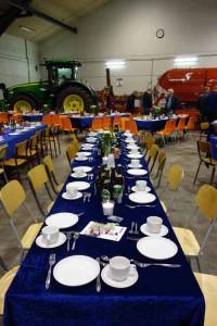 Bordet er fint dækket - parat til at modtaget gæsterne